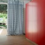תכנון עבודת נגרות - ארון מרשים בצבע אדום