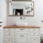 חדר האמבטיה בעיצוב רך ורומנטי